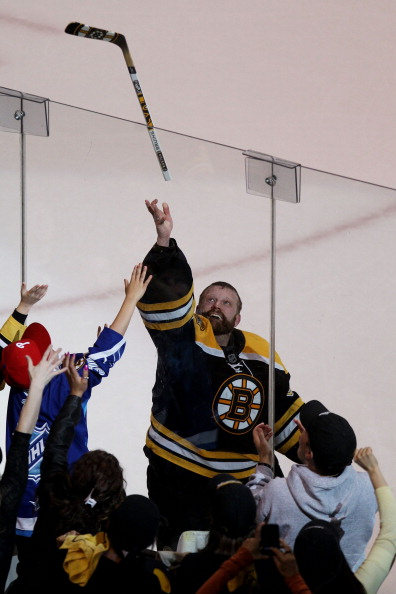 «Бостон Брюинз» победил в  пятом матче и вышел вперед в серии плей-офф, Фоторепортаж с матча. Фото: Eliot J. Schechter/Scott Audette/Justin K. Aller/Getty Images