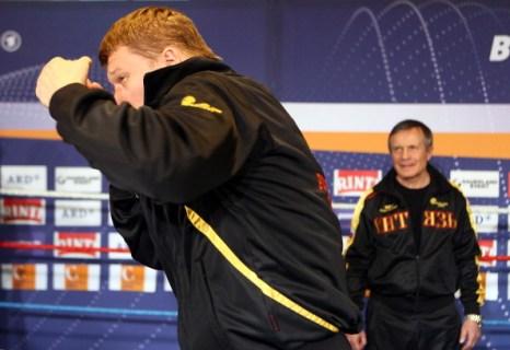 Александр  Поветкин на тренировке перед боем с Марко Хуком. Фоторепортаж из Штутгарта. Фото: Alex Grimm/Bongarts/Getty Images