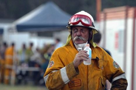 Лесной пожар продолжает угрожать городам Западной Австралии. Фото:  Will Russell/Getty Images