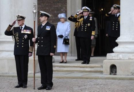 Фоторепортаж о королеве Елизавете II в  Адмиралтейском  доме. Фото: Matt Dunham - WPA Pool