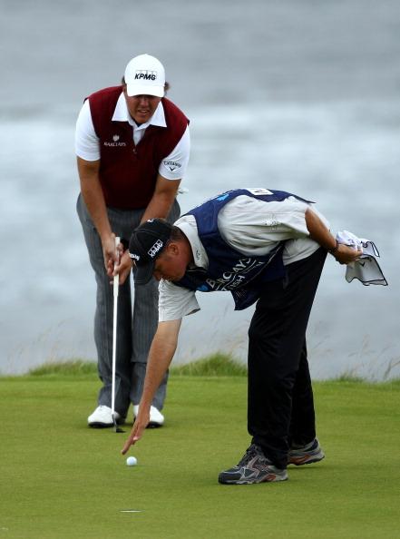 Фоторепортаж о гольфисте Филе Микельсоне на  первом туре Barclays Scottish Open. Фото: Richard Heathcote/Getty Images