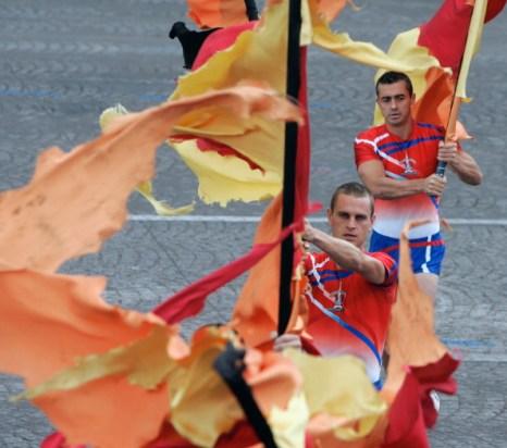 Фоторепортаж о параде на Елисейских полях в честь взятия Бастилии. Фото: Franck Prevel/Getty Images