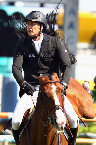 На фестивале конного шоу «ЧИО-2011 Аахен» продолжаются соревнования по конкуру. Фото: Alex Grimm/Bongarts/Getty Images