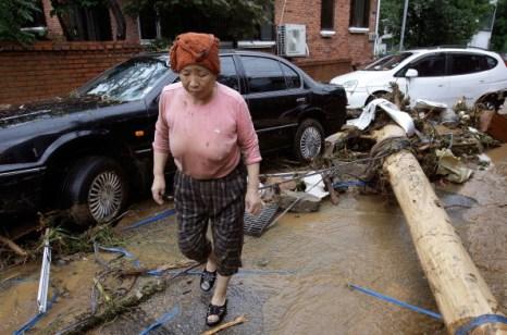 Ливневые дожди в Южной Корее унесли жизни 35 человек, десятки пропали без вести. Фото: Chung Sung-Jun/Getty Images