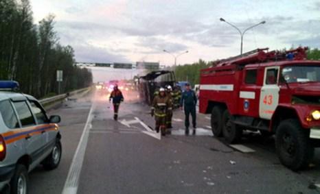 Жертвами ДТП с рейсовым автобусом  на Каширском шоссе в Подмосковье стали 11 человек. Фото с сайта ГУ МЧС по МО