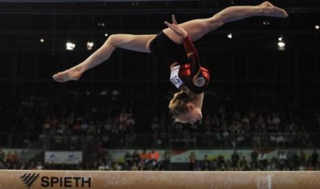Анна Дементьева стала двукратной чемпионкой Европы по спортивной гимнастике в Берлине. Фоторепортаж. Фото: Joern Pollex/Bongarts/Getty Images
