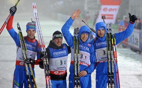 Мужская сборная России по биатлону выиграла эстафету в Оберхофе, 4 января. Фото: ROBERT MICHAEL/AFP/Getty Images