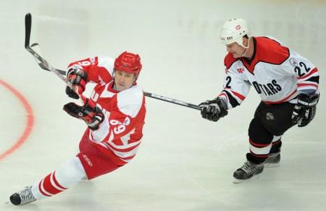 Российско-канадская игра в Москве, 25 февраля 2012 г. Фото: Александр Неменов/AFP/Getty Images