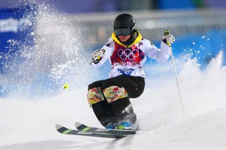 Лаура Грейзмен из Германии на олимпийском соревновании женщин по фристайлу в могуле 6 февраля 2014 года на Розе Хутор в Сочи. Фото: Cameron Spencer/Getty Images