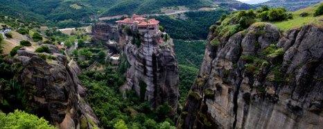 Вид на монастырь Варлаама в Метеоре, Афины, Греция. Фото: Sean Gallup/Getty Images