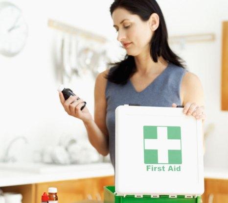 При формировании аптечки надо иметь в виду, чтобы в ней не оказались лекарства, которые плохо воспринимаются организмом. Фото: George Doyle/Photos.com