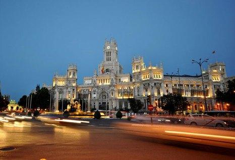 Мадридский Дворец телекоммуникаций - один из символов города, гдесейчас размещается городская администрация. Фото: Buenos Aires/en.wikipedia.org