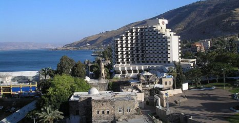 Тверия — город на западном берегу Тивериадского озера в Галилее, на северо-востоке Израиля. фото: Deror AVI/commons.wikimedia.org