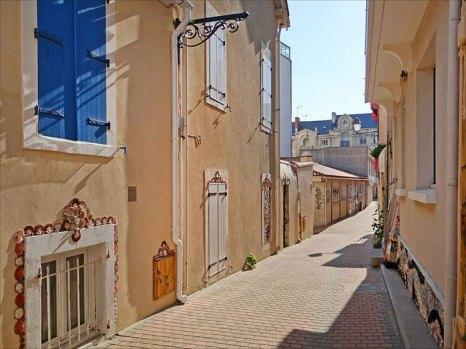 Ракушечный квартал в Ле-Сабль-дОлон. Фото: dalbera/commons.wikimedia.org