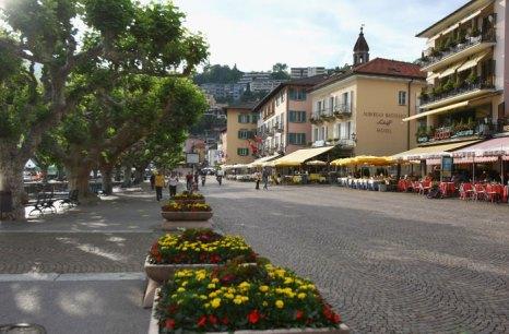 Аскона, Швейцария. В Асконе более 40 отелей на любой вкус и кошелёк. В большинстве своём это очень качественные четырёх- и пятизвёздочные заведения. В немногочисленных отелях категории «три звезды» сервис также на традиционно высоком для Швейцарии уровне. Фото: Alexander Hassenstein/Bongarts/Getty Images