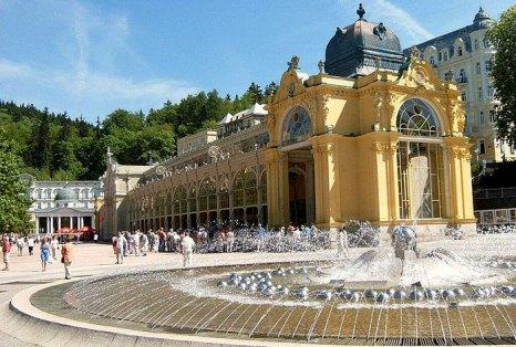 Марианске-Лазне — курортный город в Чешской республике, расположен на западе исторической области Богемия. Является лечебным курортом благодаря наличию холодных источников минеральной воды, обладающих целебными свойствами. Фото: Hobby Navigator/commons.wikimedia.org