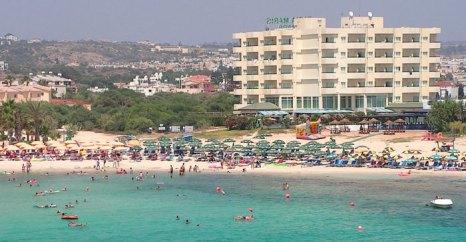 Пляж Айя-Напы, Кипр. Фото: Paul167/commons.wikimedia.org
