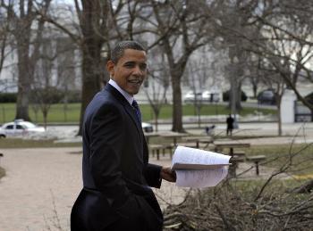 Президент США Барак Обама намерен предложить масштабное сокращение американского ядерного арсенала. Фото: Theiler-Pool /Getty Images