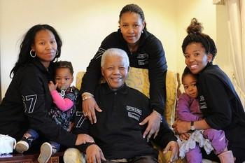 Мандела отпраздновал свое 93-летие в кругу своей семьи. Фото: welt.de