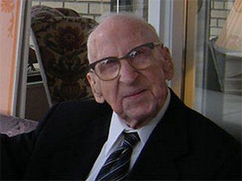 Старый житель планеты Уолтер Брюнинг.Фото с cbsnews.com