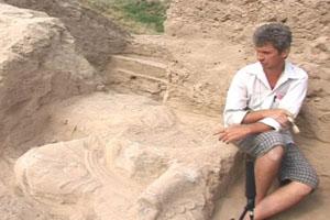 Археологи раскопали статую Будды в окрестностях Бишкека, столицы Кыргызстана. Фото: NTD