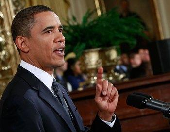 С реформой здравоохранения лучше не спешить -  призывает Обама. Фото:  Mark Wilson/Getty Images