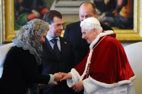 Дмитрий Медведев встретился с Папой Римским. Фото: CHRISTOPHE SIMON/AFP/Getty Images
