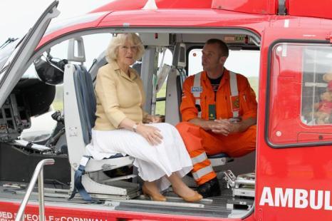 Камилла в новом Корнуолле посетила воздушную  службу медицинской помощи. Фоторепортаж. Фото: Chris Jackson/Getty Images