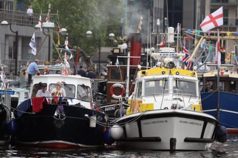 Лодки, которые будут принимать участие в параде флотилии из  1000 лодок вниз по реке Темзе в честь юбилея правления королевы Елизаветы II. Фоторепортаж. Фото: Michael Buckner, Dan Kitwood, Oli Scarff  /Getty Images