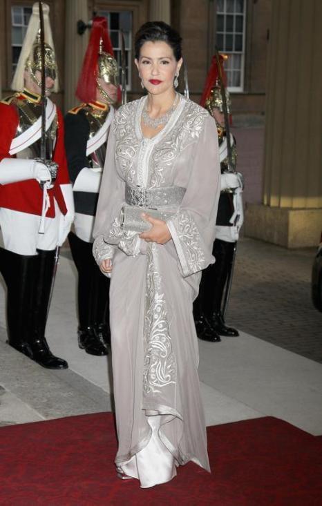 Монархи на приёме в Букингемском дворце по случаю юбилея правления королевы Елизаветы II. Принцесса Морокко. Фоторепортаж. Фото: Sean Dempsey - WPA Pool/Getty Images