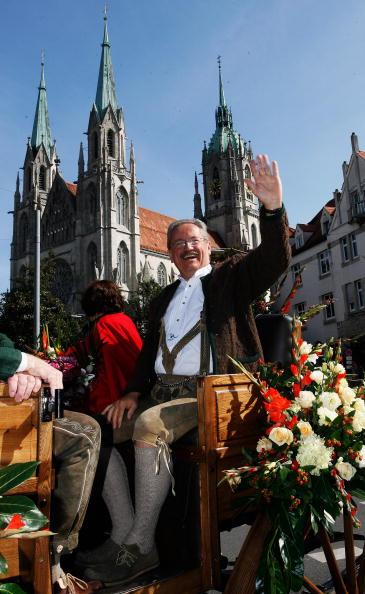 «Октоберфест» (Oktoberfest), 177-й по счету фестиваль пива, открылся сегодня в столице Баварии Мюнхене. Фото: Christian Ude/Alexandra Beier/Miguel Villagran/Getty Images