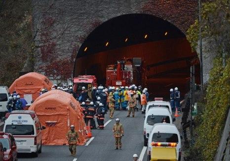 В Японии произошло обрушение автомобильного тоннеля. Фото: YOSHIKAZU TSUNO/AFP/Getty Images
