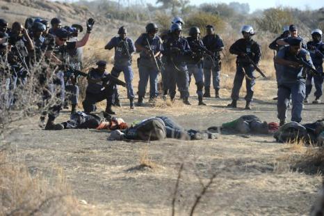 В результате столкновений с полицией были убиты 34 шахтёра в Южной Африке. Фоторепортаж. Фото: Alon Skuy/The Times/Gallo Images/Getty Images