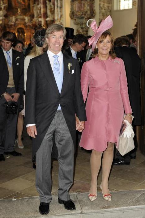 На свадьбе принцессы  Фелипы фон Бавария.  Отец и мать Фелипы принц Леопольд Баварский, и его жена, принцесса Урсула. Фоторепортаж. Фото: Hannes Magerstaedt/Getty Images