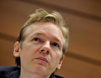 Джулиан Ассандж, основатель сайта WikiLeaks, объявлен в международный розыск. Фото: FABRICE COFFRINI/AFP/Getty Images