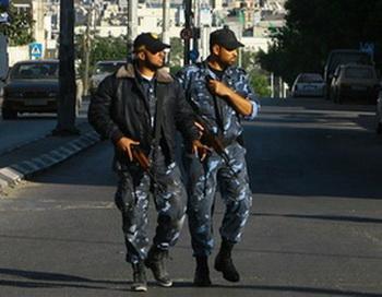 Газа: палестинские полицейские ХАМАСа патрулируют  улицы города Газа. Фото с сайта theepochtimes.com