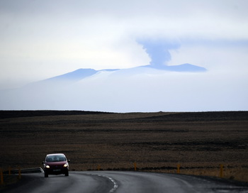 Вулканы Исландии Эйяфьяллайекюль и Катла соединены магматическими каналами. Фото: Emmanuel DUNAND/AFP/Getty Images