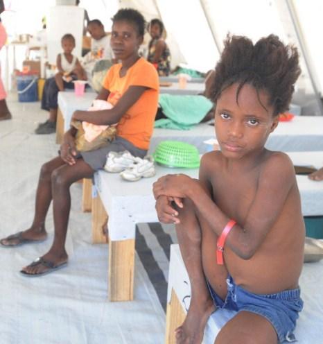 Холера на Гаити. Симптомами болезни являются: лихорадка, рвота и диарея, в результате чего происходит острое обезвоживание организма. Фоторепортаж.  Фото: THONY BELIZAIRE/AFP/Getty Images. Фоторепортаж.  Фото: THONY BELIZAIRE/AFP/Getty Images