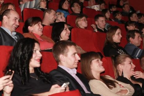 Зрители в зале живо реагировали на хитросплетения сюжета фильма «Джентльмены, удачи!». Фото: Сергей Лучезарный/Великая Эпоха (The Epoch Times)