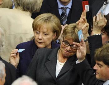 Бундестаг одобрил план финансовой помощи Греции. Фото: MICHAEL GOTTSCHALK/AFP/Getty Images