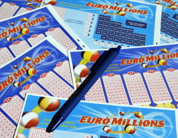 Билеты лотереи EuroMillions. Фото: DIRK WAEM/AFP/Getty Images