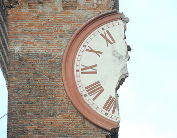Землетрясение магнитудой в 6 баллов произошло в северной Италии и повредило многие исторические здания. Фото: Roberto Serra/Iguana. Getty Images News