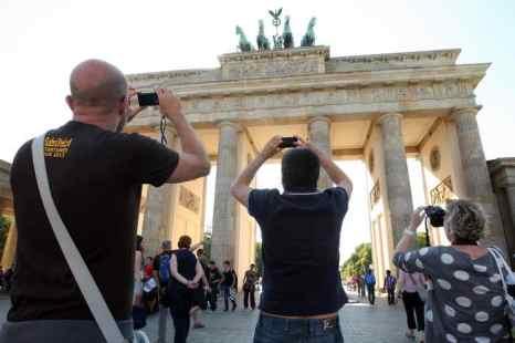 В Берлине вводят «налог на ночёвку». Ежегодно Берлин посещают до 10 миллионов туристов. Исходя из этого, власти Берлина рассчитывают получить в бюджет города дополнительно более 20 миллионов евро. Фото: Adam Berry/Getty Images