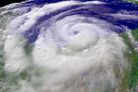 В восточной части Тихого океана, у берегов Мексики, сформировался тропический циклон. Фото: NOAA via Getty Images