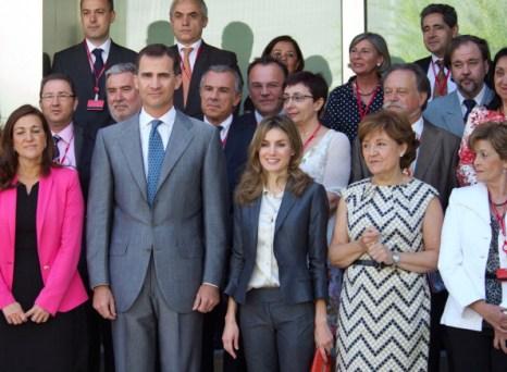 Фоторепортаж о встрече принца Фелипе и принцессы Летиции с сотрудниками Института Сервантеса. Фото: Carlos Alvarez/Getty Images