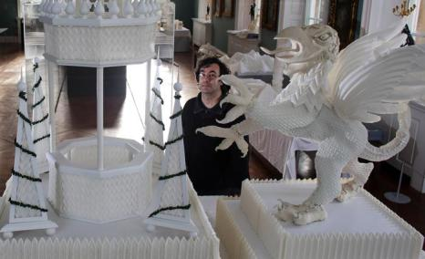 Выставка «Красиво сложено: льняные шедевры» художника Джона Салласа, 1 февраля 2013 года. Фото: Matt Cardy / Getty Images