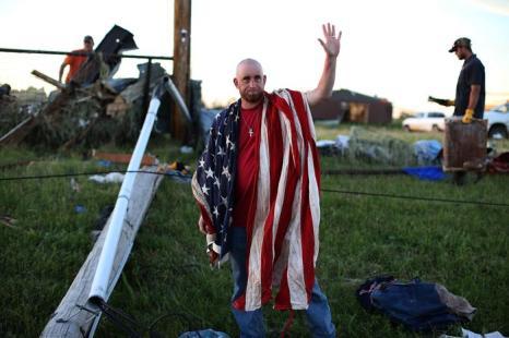 Жизнь в штате Оклахома после повторной смертельной серии Торнадо. Фото: Justin Sullivan/Getty Images