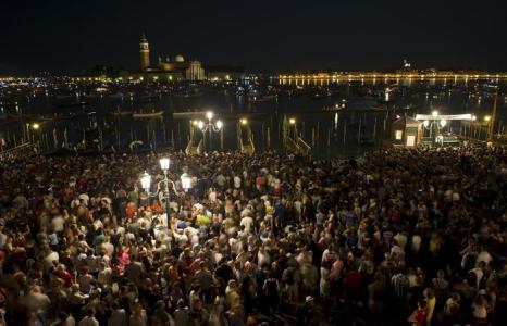 Празднование «Феста дел Реденторе» в Венеции 20 июля 2013 года. Фото: Marco Secchi/Getty Images