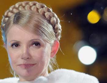 Еще накануне, в пятницу, Юлия Тимошенко заявляла, что не намерена сдаваться. Фото: ALEXANDER NEMENOV/AFP/Getty Images