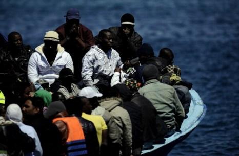 Границы Шенгенской зоны остаются закрытыми для беженцев из Африки. Фото:  FILIPPO MONTEFORTE/AFP/Getty Images